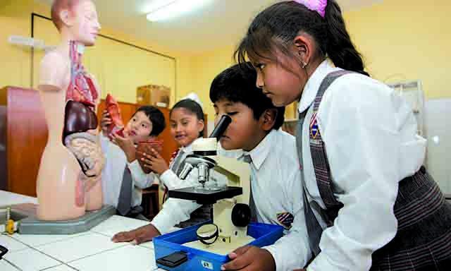 Imagen de Alumnos de Moquegua gozan de última tecnología